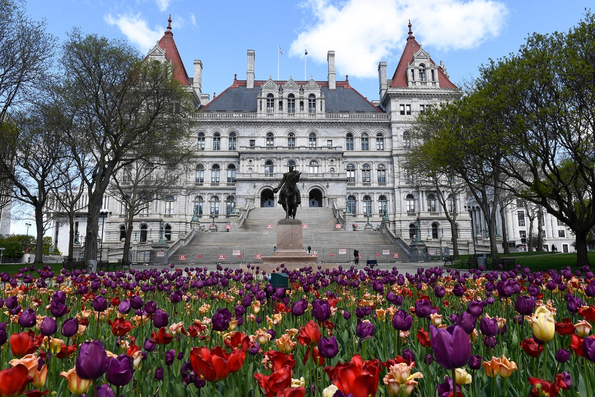 Albany pols approve criminal justice and Cuomo impeachment fund bills