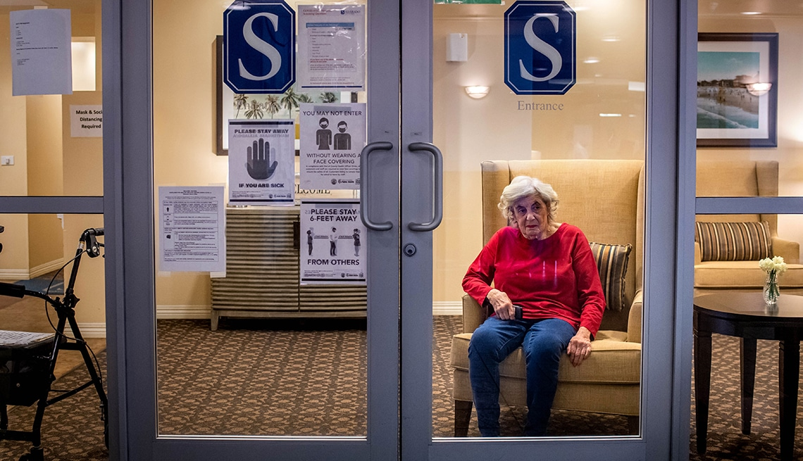 COVID-19 Still Killing 800 a Month in Nursing Homes