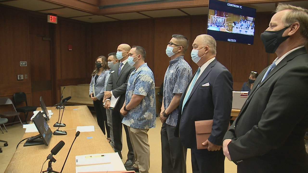 HPD officers charged in shooting death of teenager ask judge to dismiss the case